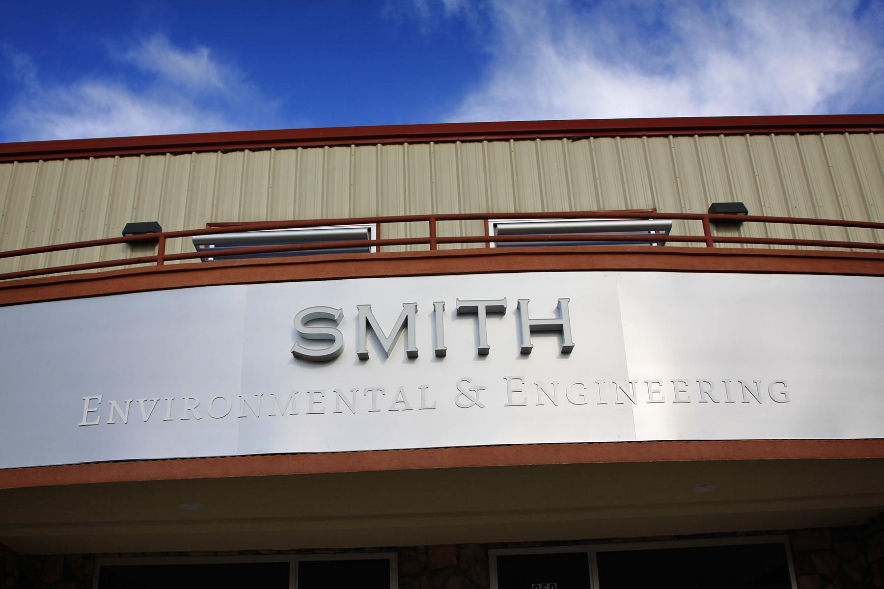 SMITH sign 2 v2