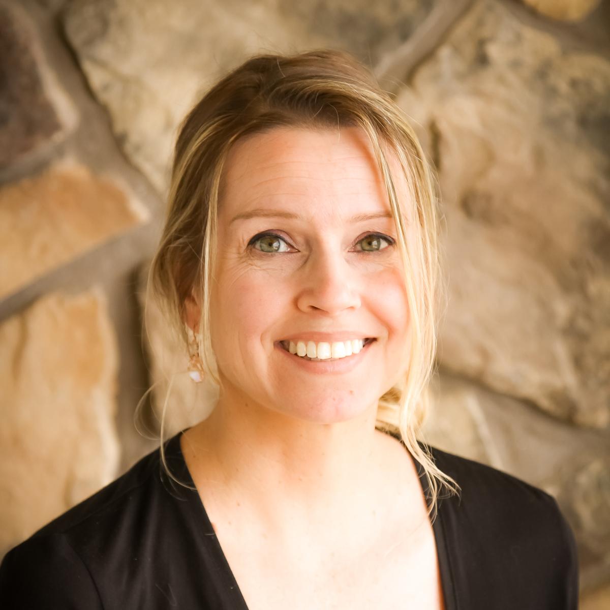 Jennifer Emmett